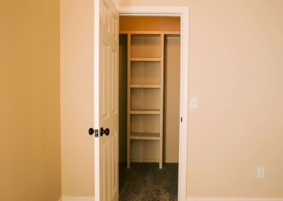 Amarillo-townhomes-walk-in-closet